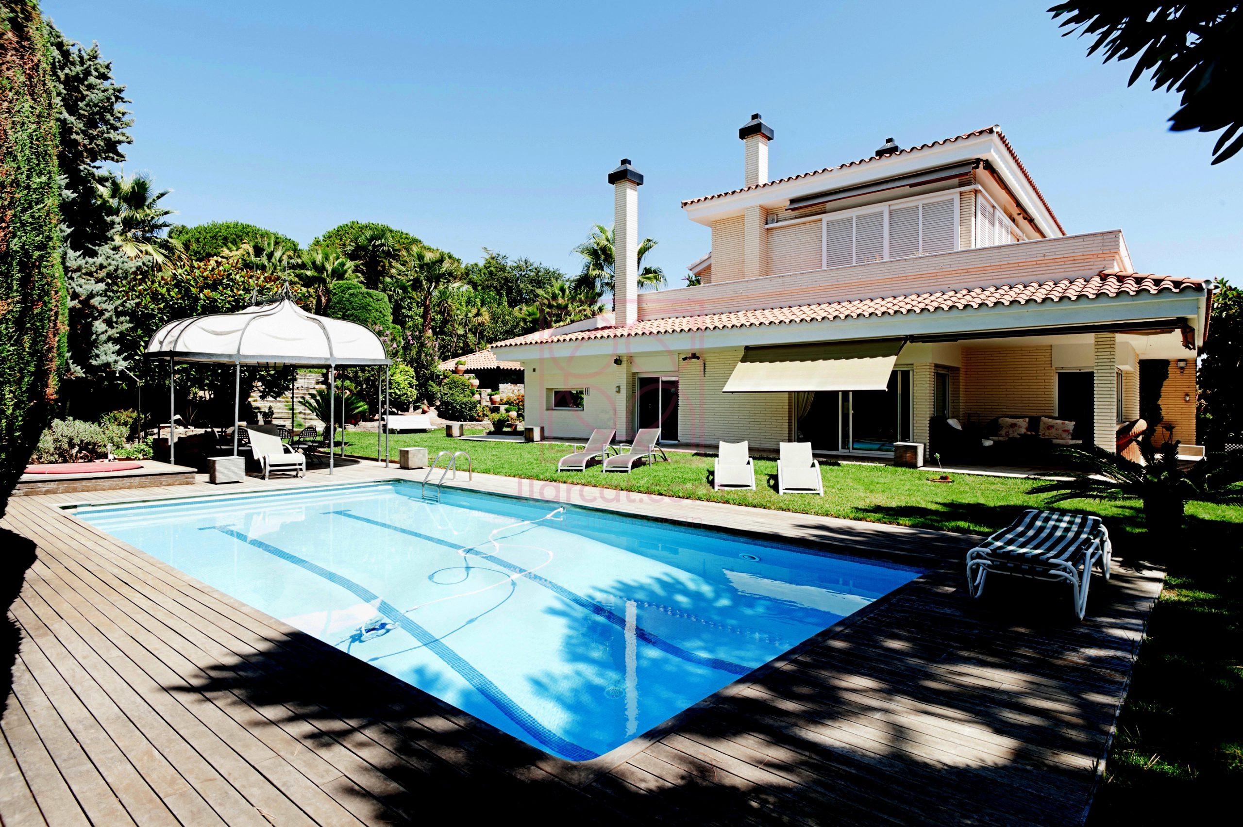 Casa en Alella en venta. Excelente ubicación y encanto.