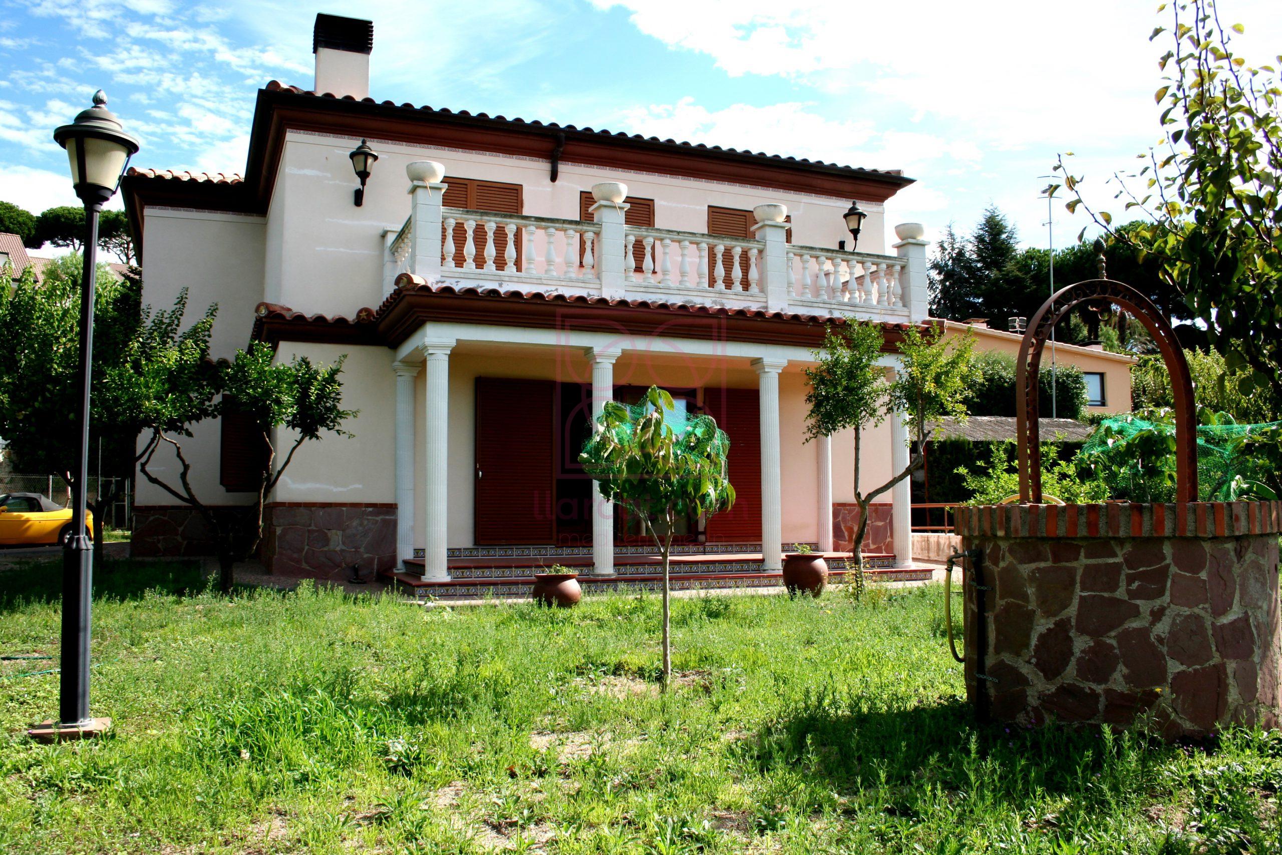 """Casa en Caldes d'Estrac """"Caldetes"""" a pocos metros del casco urbano."""