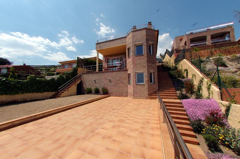 Casa en venta en Calella, espectacular.