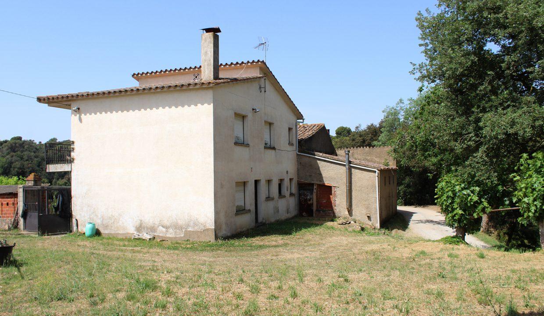 Dos casas para 2 familias en venta